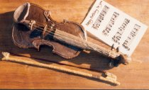 Violin cake with Happy Birthday music